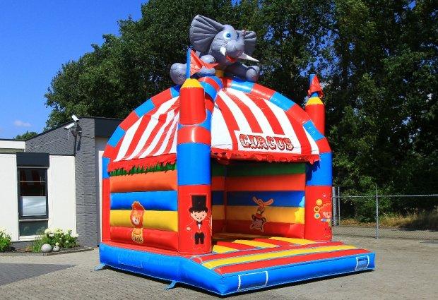 Funny circus springkussen huren Tilburg